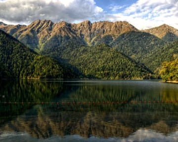 The-mirror-of-Ritsa-Ritsa-Nature-Reserve-Abkhazia-Georgia